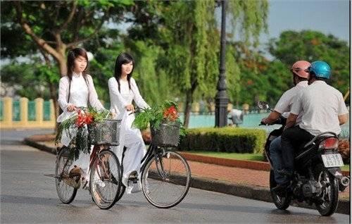 5 Beautiful Cities for Bikers in Vietnam - Hue