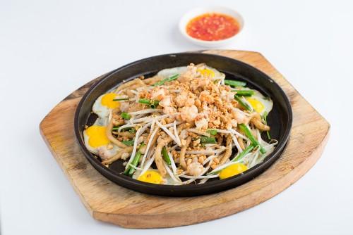 Modern Vietnamese Restaurant Con Ga Trong (5)