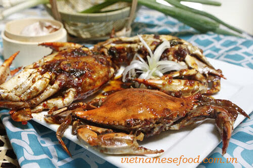 Roasted Crab with Tamarind Sauce Recipe (Cua Rang Me)