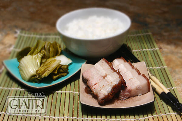 Roasted Crispy Pork Belly Recipe (Heo Quay)
