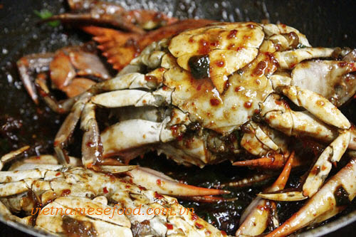 Step 4 Roasted Crab with Tamarind Sauce Recipe (Cua Rang Me) 4