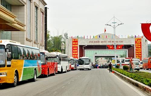 mongcai-border-gate-china-to-vietnam