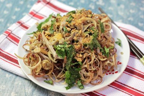 Banana Flower Salad with Chicken Recipe (Nộm Hoa Chuối Thịt Gà)