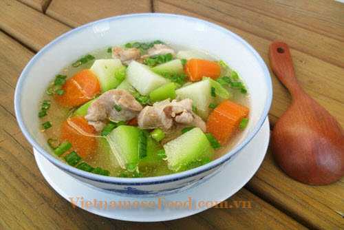 ezvietnamesecuisine.com/chayote-soup-with-chicken-recipe-canh-su-su-nau-ga