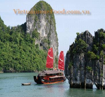 ezvietnamesecuisine.com/ha-long-bay-vietnam