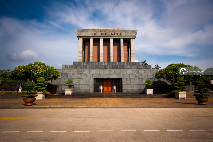 ho chi minh president mausoleum
