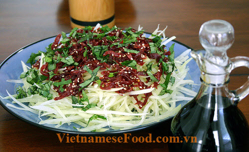ezvietnamesecuisine.com/green-papaya-salad-with-beef-jerky-recipe-goi-du-du-kho-bo