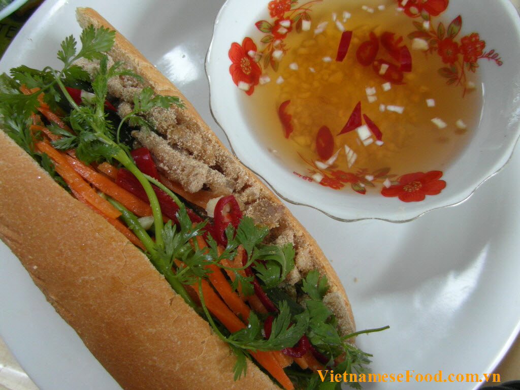 shredded-pork-and-skin-with-bread-banh-mi-bi