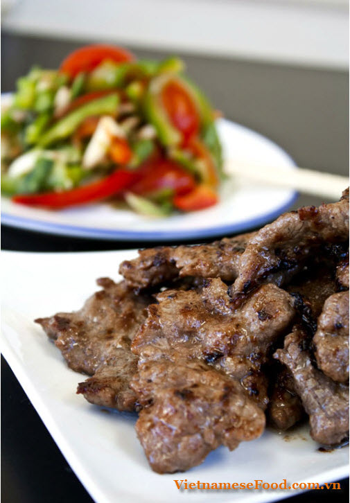grilled-beef-with-multi-flavor-bo-nuong-ngu-vi