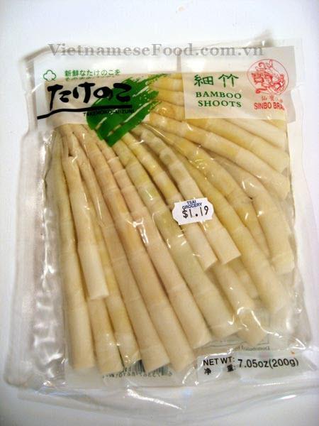 ezvietnamesecuisine.com/vietnamese-bamboo-shoots-and-chicken-noodle-soup-recipe