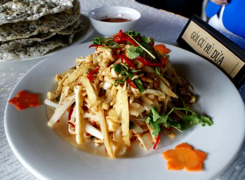 ezvietnamesecuisine.com/vietnamese-heat-of-palm-salad-recipe-goi-cu-hu-dua